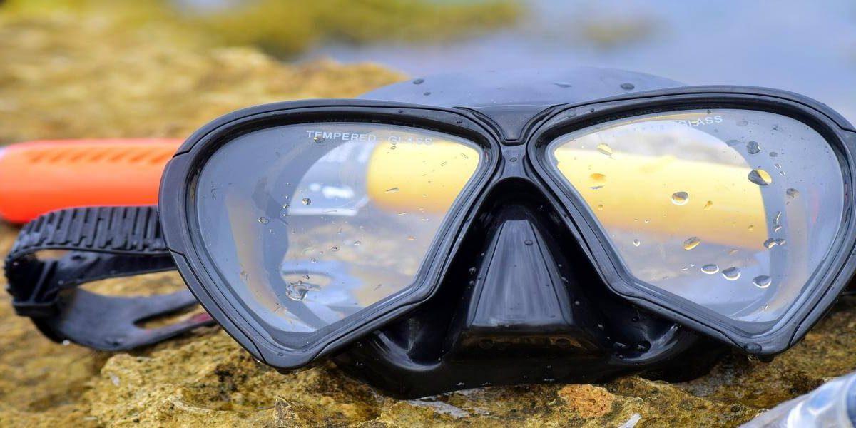 Maska do nurkowania – jaką kupić? Wybieramy najlepszą maskę i fajkę do nurkowania