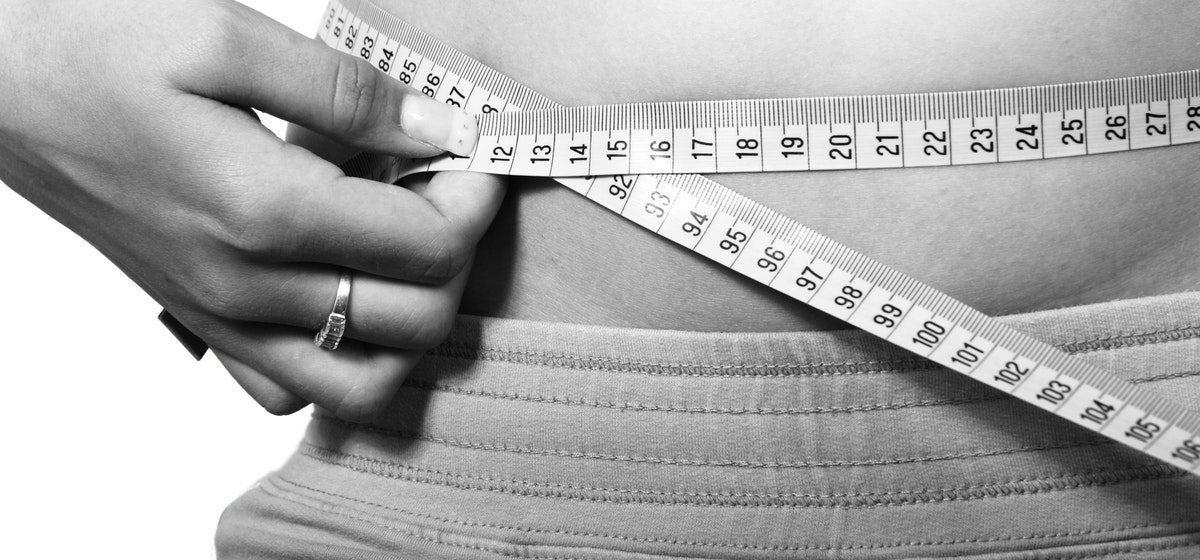 Odchudzanie na basenie – czy da się schudnąć dzięki pływaniu?